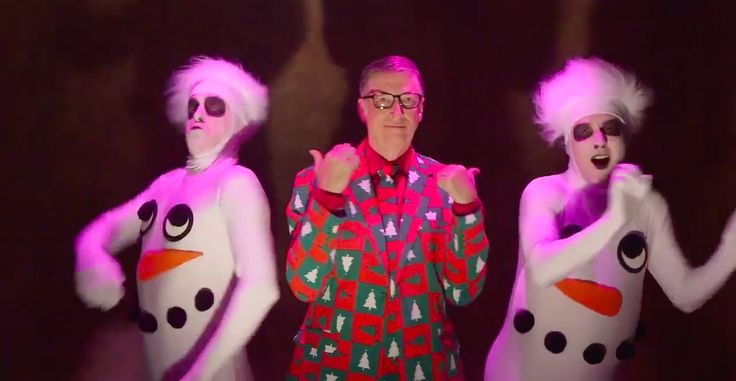Bill Gates channels David Pumpkins to promote his Ask Me Anything     - CNET Bill Gates dressed as David S. Pumpkins with two dancing snowmen.                                                      Bill Gates                                                  We have so many questions.  Microsofts Bill Gates is hosting his fifth Ask Me Anything on Reddits r/IAmA at 9 a.m. PT on Monday. Gates posts on the subreddit have been popular netting more than 71000 comments since his first Ask Me Anything…