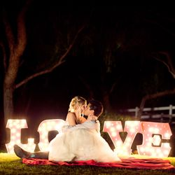 One pinner says: BRIDES...please go to this site NOW...i wish I would have known about this site before the wedding. SO awesome! full of wedding inspiration. It might just be as addicting as pinterest for Brides!