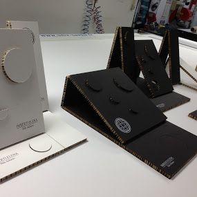 Espositori cartotecnici per bijoux, progettati per IMBERTI ELENA. Design by Valerio Campisi