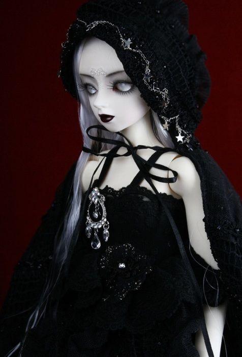 картинки готических кукол с короткими волосами этой статье