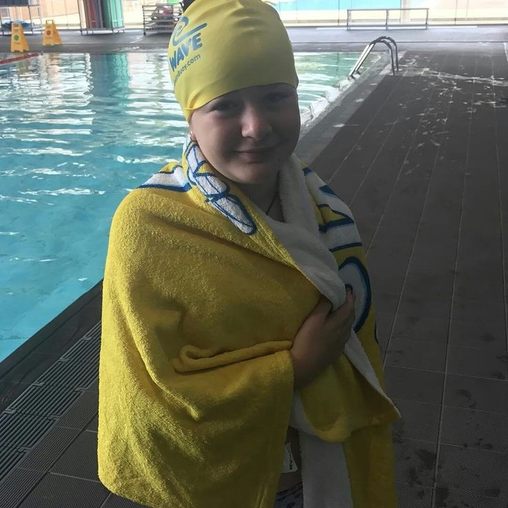 from @triturtle81 . . Hoy hemos nadado con ayudanta. #newnewwaveswimbuoy #sports #runner #cycling#swinbikerun #tri #triathlon #triatlon #trhiatlete#swimming #tri365 #nadapedalacorre #swimlife#swimmingpool #trilife #triathletelife #triathlontraining#ironman #ironmandream #ironmantraining#instatriathlete #instaswim #f4f #natacion #ciclismo#run #lovethriathlon #worldtriathlon #triatleta