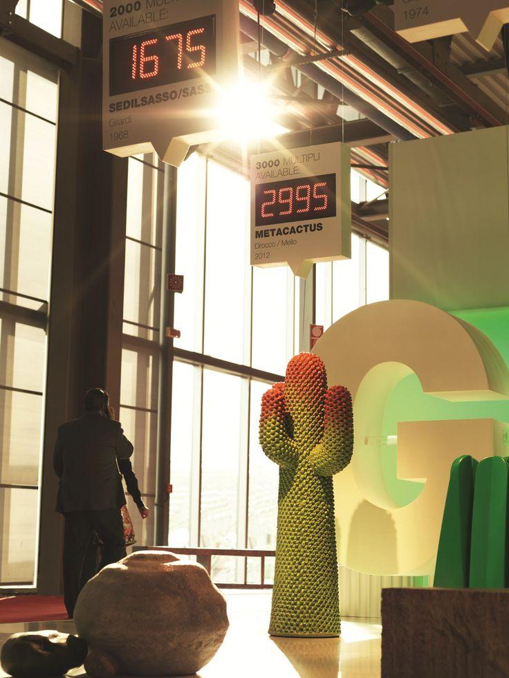 Perchero de pie de poliuretano expandido METACACTUS by Gufram | diseño Guido Drocco, Franco Mello