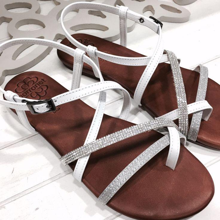 #Sandalias Porronet Shoes strass. Ideales para este verano.