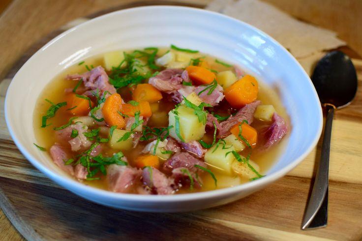 Høstsuppe med lettsaltet svineknoke