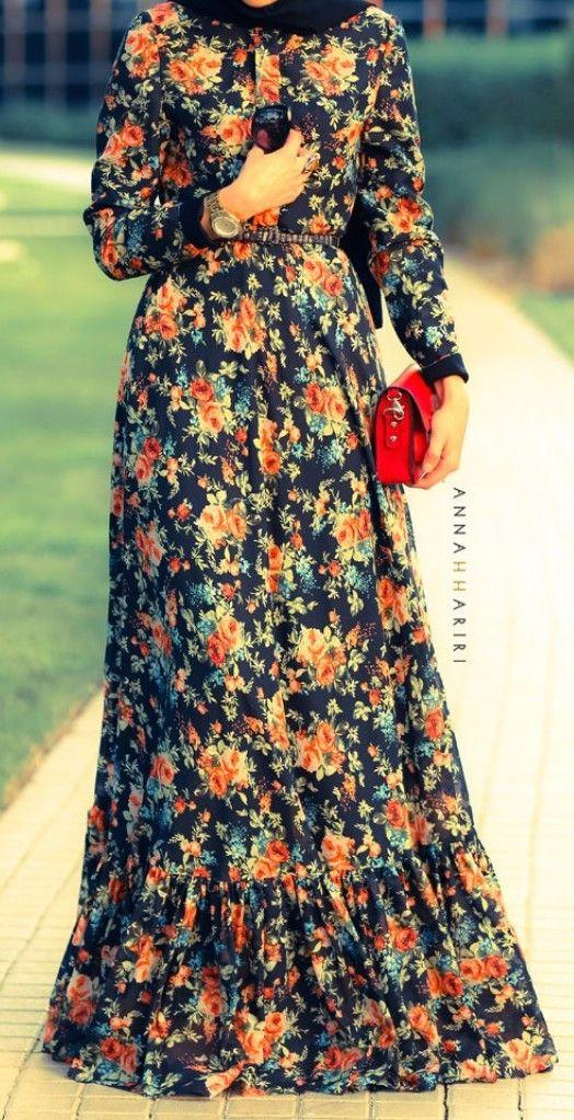 Vintage Floral Maxi Dress  | #hijab #hijabi #muslimah #Hijabista #covered #modeststyle #modeststreetfashion |