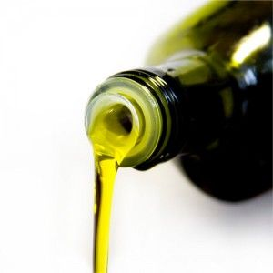 Seven Great Ways to Use Castor Oil to Get Healthier, More Beautiful Hair