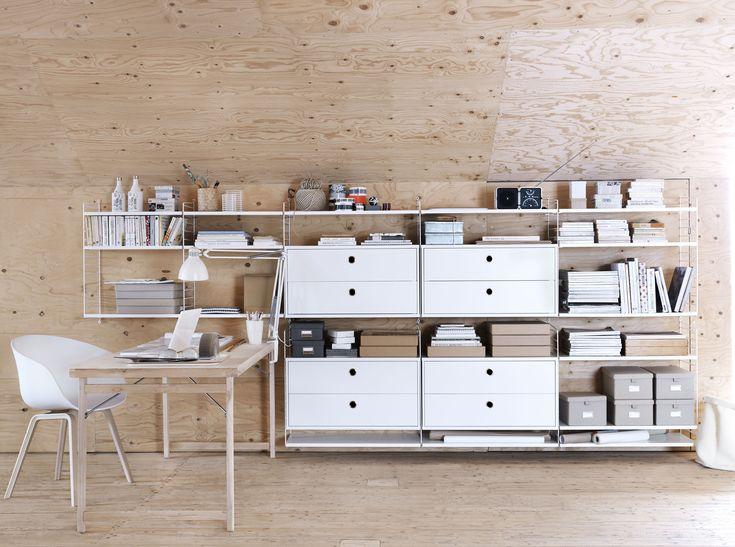 Regal String System / L 58 cm - 3er Set, Eiche von String Furniture finden Sie bei Made In Design, Ihrem Online Shop für Designermöbel, Leuchten und Dekoration.