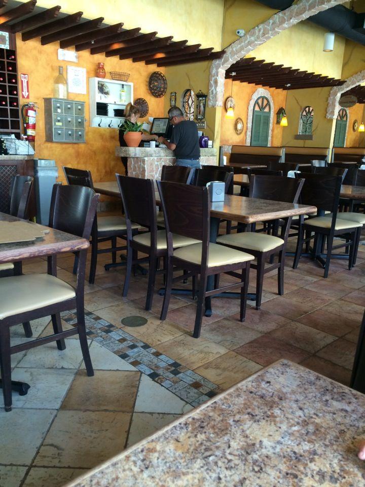Pizza is pretty good here, loved the bruschetta. Faccio Pizza @ Isla Verde