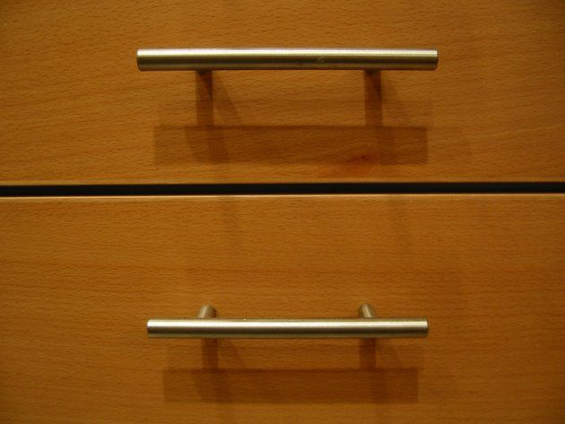 26 best images about drawer and cabinet pulls on pinterest drawer pulls modern kitchen - Dresser drawer pulls with backplate ...
