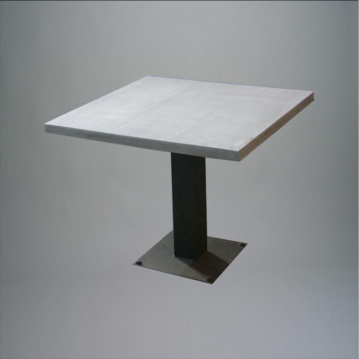 TABLE LAVA COMP W/ IRON LEGS 75X75XH76CM