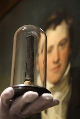 The first electric light in the history was made in the year 1800 by Humphry Davy, an English scientist. He also invented an electric battery while experimenting with electricity. When he connected carbon with the wires of his battery, the carbon glowed hence producing light.