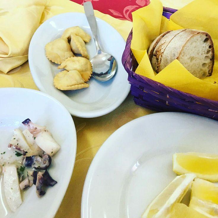 #Ittiturismo Peschiera di Feraxi #Sardinien, das Agriturismo für Fisch. Morgens gefangen, abends gegessen, z.B. Ravioli di pesce #buonappettito #Meer #sunshine #sardinienhaus #Ferienhaus #ferienhaussardinien #flug #fly  #sardinienvillas #italyvillas #Urlaub #holiday #beach #holidayhomes #cottage #Familienurlaub #mietenvilla #Sardinia #CostaRei #Meer #Meerblick #Italien #Strand #Sandstrand