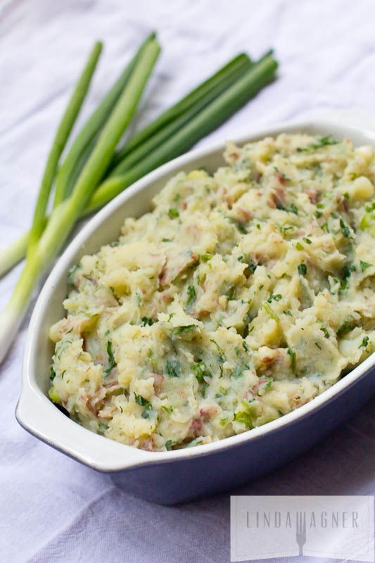 Healthy Garlic & Herb Smashed Potatoes - This mashed potato recipe is delicious, comforting, and filling.