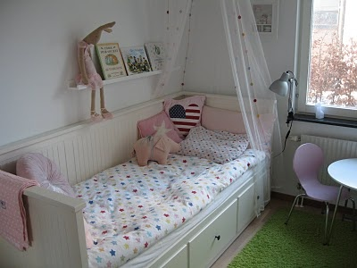 die besten 25 rausfallschutz kinderbett ideen auf pinterest feuerwehrbett chuncheon und. Black Bedroom Furniture Sets. Home Design Ideas