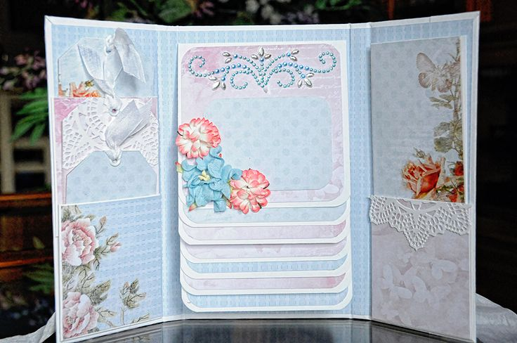 ScrapBerry's: a foto folio in which you can store some of your favourite pictures made by Lisa Gregory with our lovely Butterfly collection