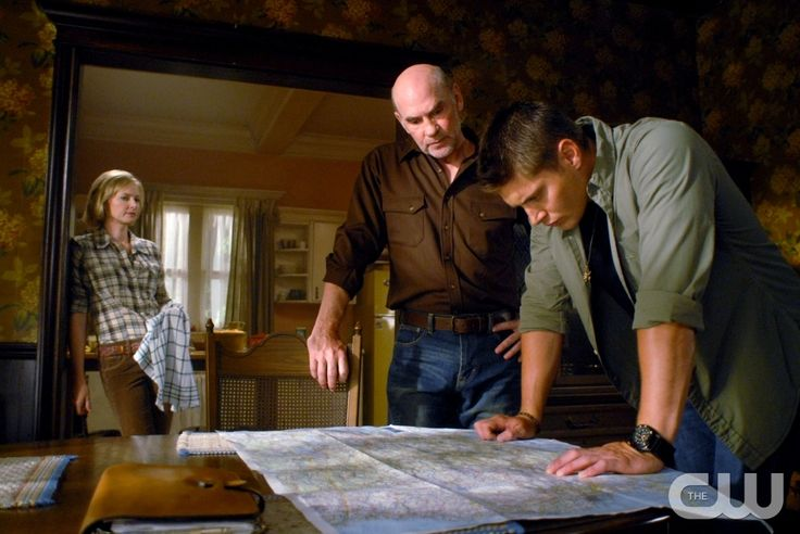 """""""In The Beginning"""" - Pictured (L-R) Allison Hossak as Deanna Winchester, Mitch Pileggi as Samuel Winchester and Jensen Ackles as Dean in SUPERNATURAL on The CW. Photo: Sergei Bachlakov/The CW �2008 The CW Network, LLC. All Rights Reserved.pn"""
