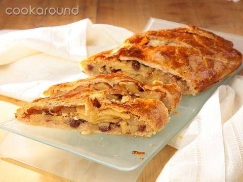 Strudel di mele con pasta sfoglia: Ricette Dolci | Cookaround