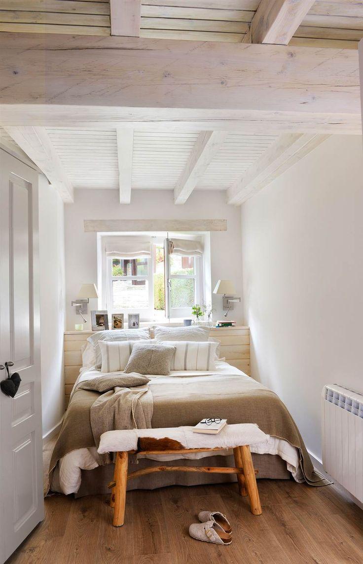 Las 25 mejores ideas sobre peque os dormitorios de for Dormitorio blanco y madera