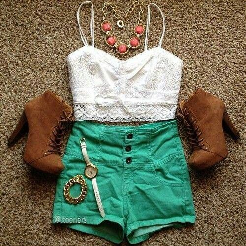 High waisted shorts and boots. Must I say more besides the fact that this is so a pintrest outfit?