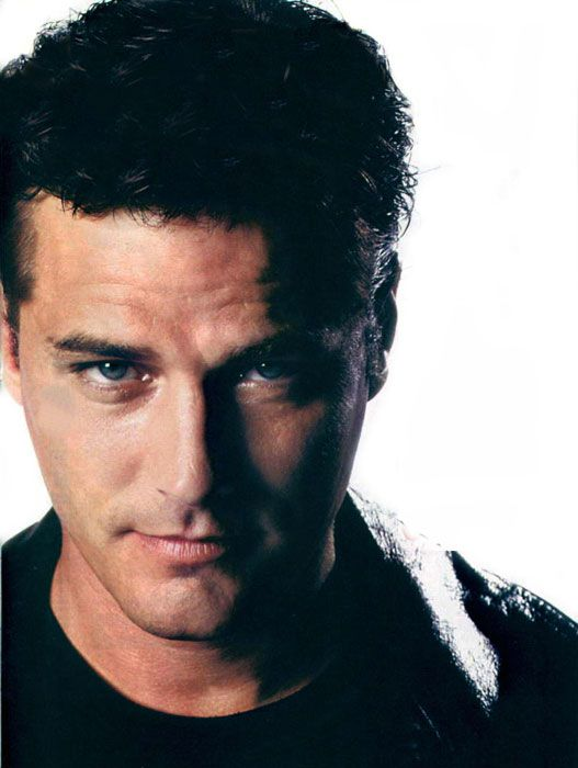 "Paul Gross --- mmmm, the ""bonus square"" in Canadian Actor Bingo. [And have you SEEN ""Slings and Arrows""?]"