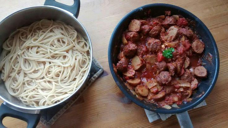 Spagetti ja lihapullakastike
