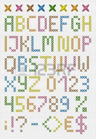 Punto de cruz de colores may sculas alfabeto Ingl s con n meros y s mbolos Conjunto de vectores Foto de archivo