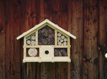 die besten 17 ideen zu insektenhotel bauanleitung auf pinterest selber machen nistkasten. Black Bedroom Furniture Sets. Home Design Ideas