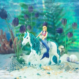 The official Schleich website, the home of Schleich animals from the Horse Club, Farm World, Wild Life, Dinosaurs and bayala ranges and many more