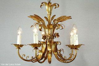Italiaanse kroonluchter 26315 bij Van der Lans Antiek. Meer exclusieve lampen op www.lansantiek.com
