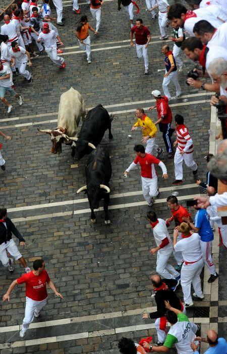 Corriendo los toros.
