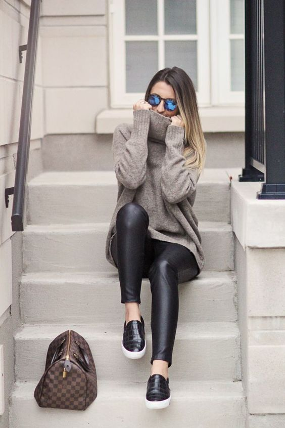 leather con sueter