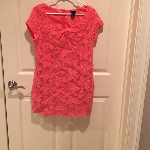 Rue 21 dress Rue 21 dress, size large.  Practically new! Rue 21 Dresses