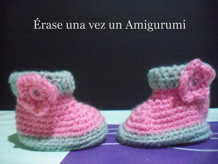 Érase una vez un Amigurumi: Regalos amigurumiles. Pequeñas botitas de bebé