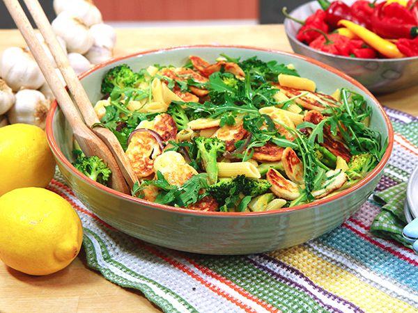 Pasta med broccoli och stekt halloumi | Recept från Köket.se