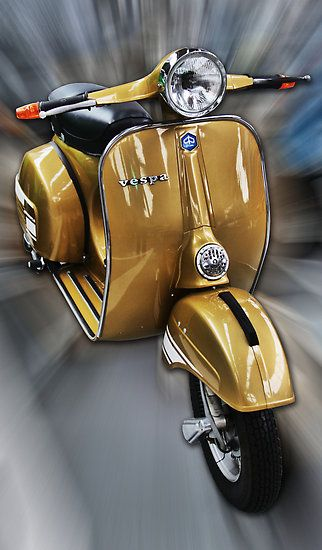 Vintage Vespa, so classy I had to nick it. The picture I hasten to add.