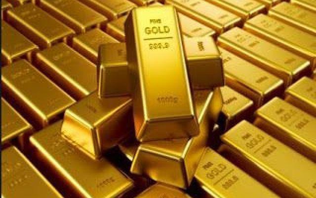Oro in calo, Goldman Sachs vede un'opportunità di investimento Nell'ultima settimana di contrattazioni, il valore dell'oro è andato pesantemente in discesa, accumulando perdite del 5%. Una discesa che lo ha riportato ai valori che aveva nel periodo precedente al #oro #goldmansachs #trading
