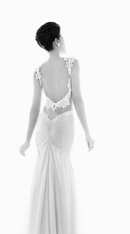 lace wedding dress open back-- butt rousching
