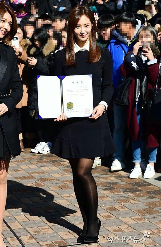 권유리 최수영 학위수여식 사진 + 졸업 앨범 사진  20150214중앙대졸업권유리각선미다리라인각선미