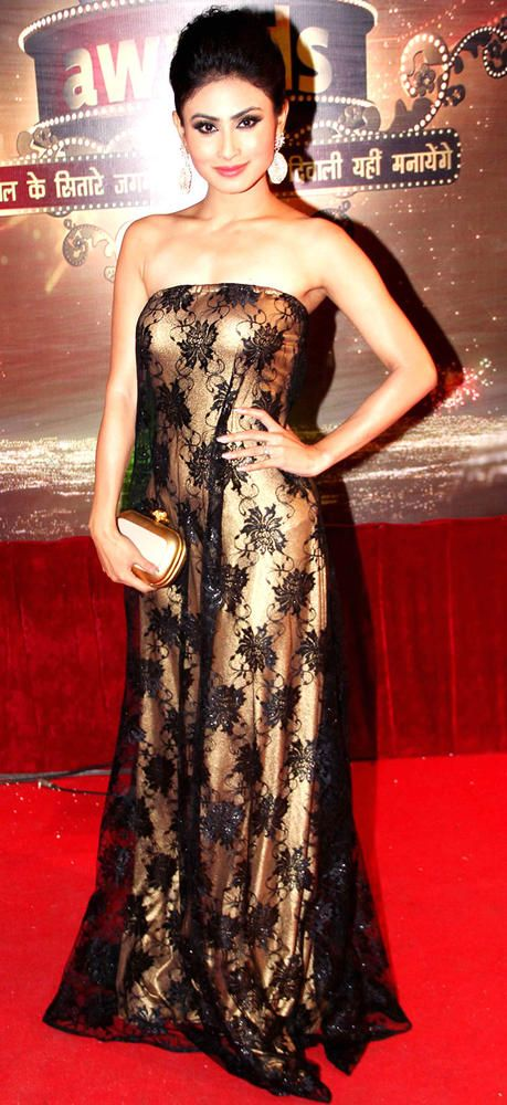Mouni Roy on the red carpet of Indian Television Awards 2013