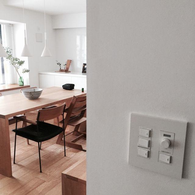 yuuさんの、神保スイッチ,JIMBO,ダイニング,シンプル,シンプルインテリア,無垢フローリング,無垢の家具,部屋全体,のお部屋写真