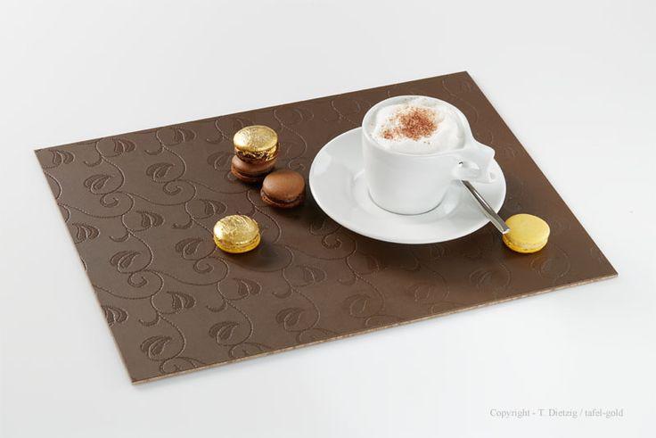Tischdeko: tafel-gold Tischset 'Floral Choco', mit Walküre Porzellan und Macarons von @sweetcouturede ***MADE IN GERMANY**  modern & exclusive tablemats from the German designer tafel-gold