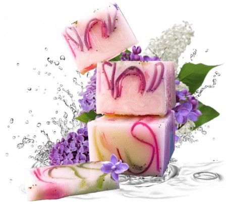 Orgona-szegfűszeg szappan - Kézzel készített glicerines szappan a virágzó orgona, a szegfűszeg, a petigren és az ilang-ilang csodálatos illatával. Ismert illóolajok kombinációja, melyek terápiás tulajdonságai miatt közismertek: Szegfűszeg olaj, Petigren olaj, Ilang-ilang olaj, Mák, ©Refantázia