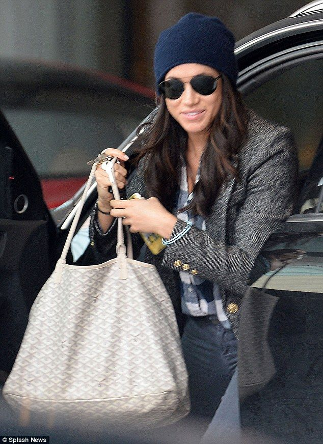 The actress sported a woolly hat and sunglasses as she arrived at a friend's home in Toronto
