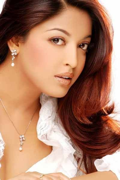 tanushree-dutta-bio-with-height-weight-age-measurements.img (400×600)