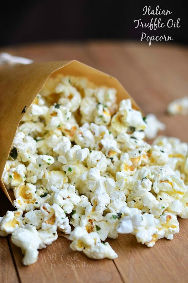 Italian Truffle Oil Popcorn | from willcookforsmiles.com #snack #moviesnack