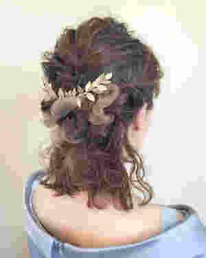 """ショートやボブが少し伸びてしまったような、ミディアムヘア。中途半端な長さだと思いがちでは?実は、ミディアム=ヘアアレンジにもってこいの長さなのです!♡ 今回はミディアムのヘアアレンジの中でも、簡単・可愛い・こなれ感の三拍子!""""ミディアム×ハーフアップ""""を大特集しちゃいます。これでアナタも後ろ美人に、、♡"""