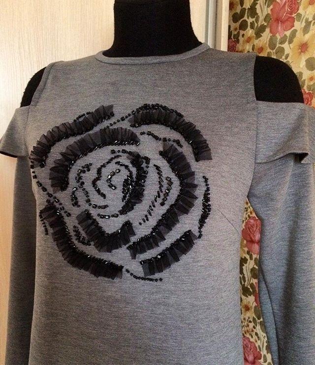 Платье из Джерси с ручной вышивкой ✨ для себя 😜 #пошиводеждыназаказ #шьюназаказ #портной #индивидуальныйпошив #ателье #ательеростов #платье #ручнаяработа