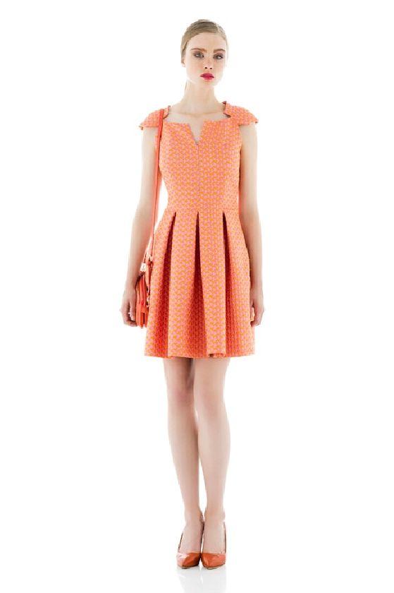 Laura Bernal vestido coral