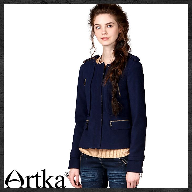 Жакеты, пиджаки : Короткий шерстяной жакет яркой расцветки, украшенный карманами с молниями