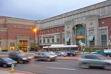 Westchester Shopping Mall, White Plains, New York